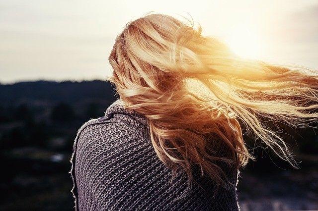 cabello crezca rápido naturalmente
