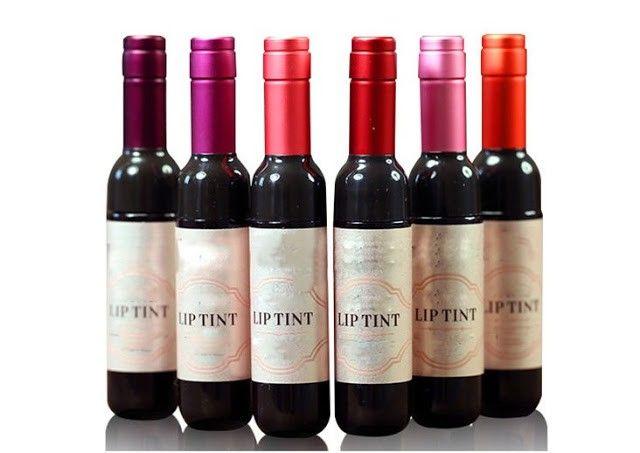 pintalabios forma de botella de vino