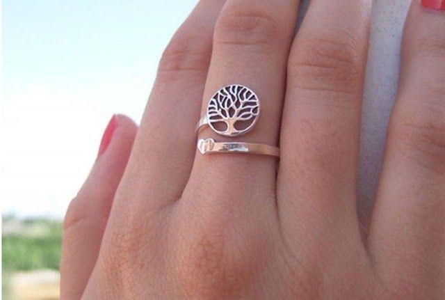 anillo árbol de la vida con corazón